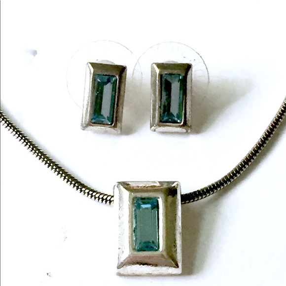 Premier Designs Jewelry - PREMIER DESIGNS Blue Topaz Necklace Earrings SET